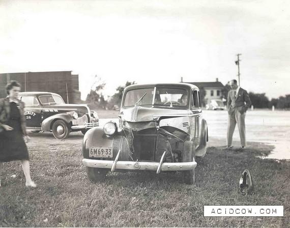 Classic car crash (26 pics)