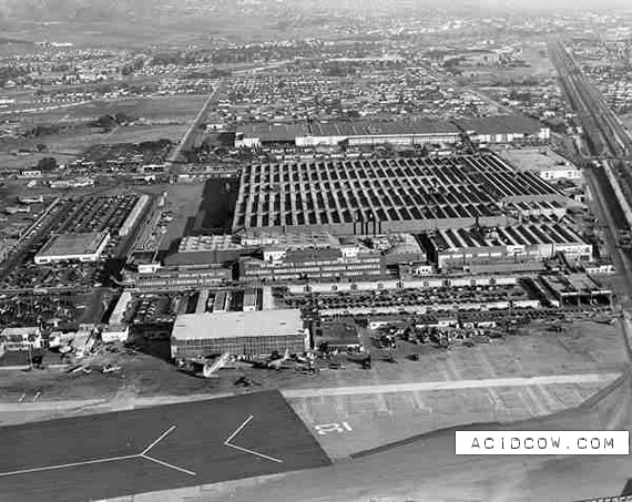 How To Hide An Airplane Factory (9 pics)