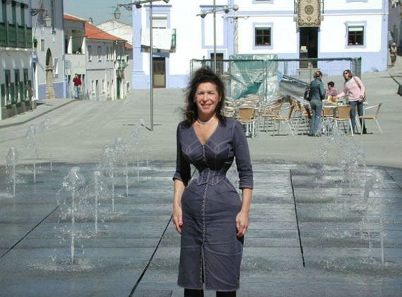 Cathie Jung's 15-inch Waist (27 pics)