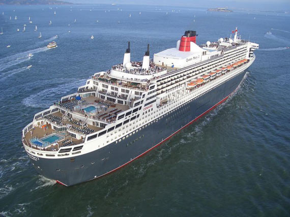 The Cunard Liner Queen Mary 2 (28 pics)
