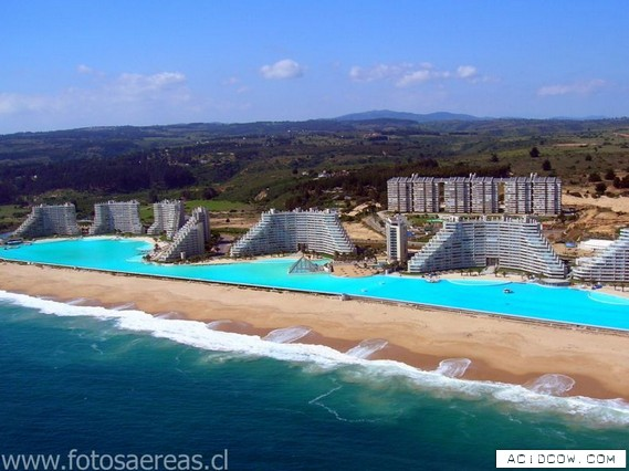 Largest swimming pool in the world (10 pics)