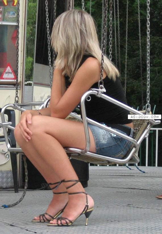 Beautiful woman legs (86 pics)