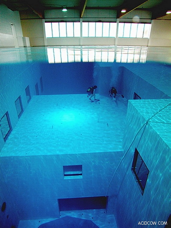 The Deepest Diving Pool in the World (10 pics)