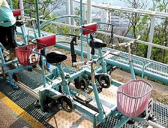 Pedal-Powered Roller Coaster (24 pics)