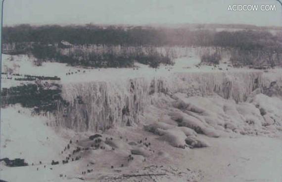 Frozen Niagara Falls (4 pics)