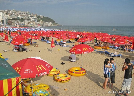 City Beach for 2,000,000 people (4 pics)