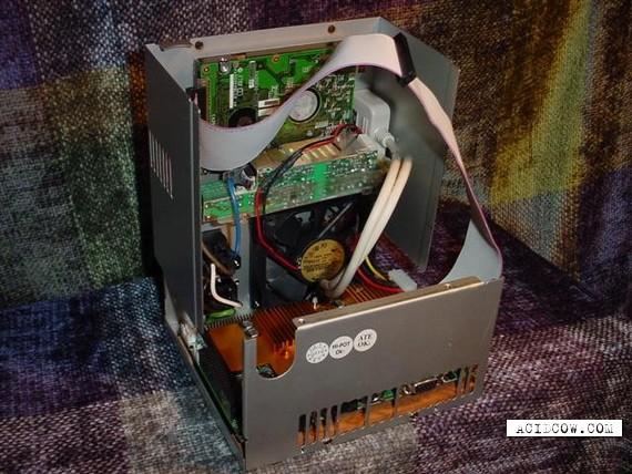 Computer case is quite unnecessary… (14 pics)