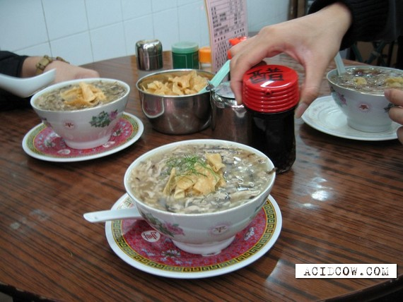 Korean soup from snakes (11 pics)