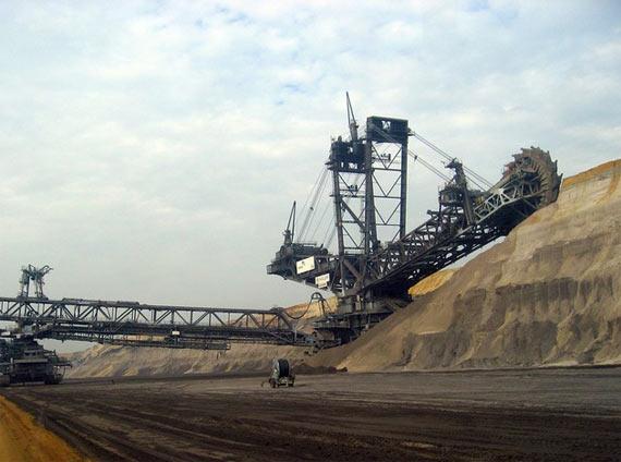 Biggest dredge in the world (6 pics)