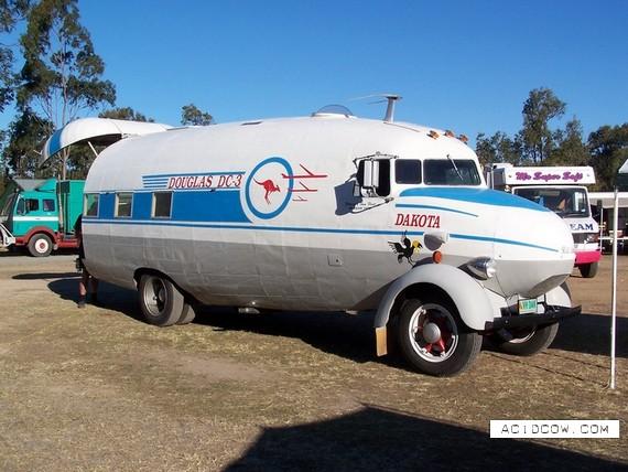 Cool truck ))) (3 pics)