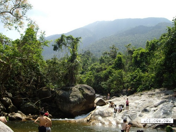 Budgetary Vietnamese aquapark (8 pics)