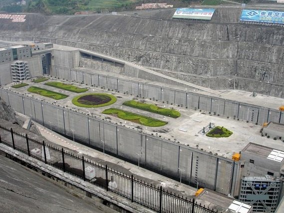 Greatest dam in the world (13 pics)