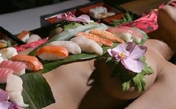 Erotic Sushi Bar (14 pics)