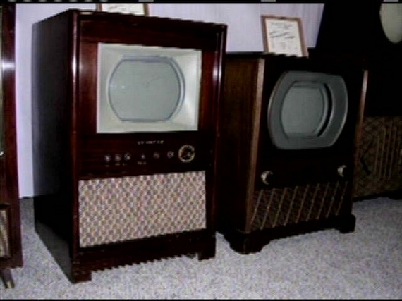 First colour TVs (23 pics)