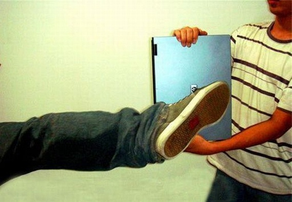 Another way to use a laptop (21 pics)