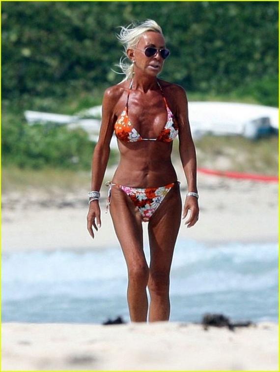 Donatella Versace Shows Off Bikini Body (7 photo)