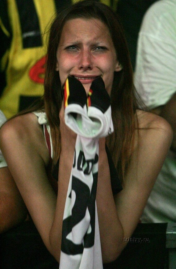 Female Football Fans (141 pics)