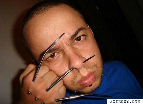 Piercing the hand (12 pics)