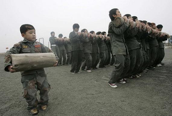 Kids military training in South Korea (7 pics)