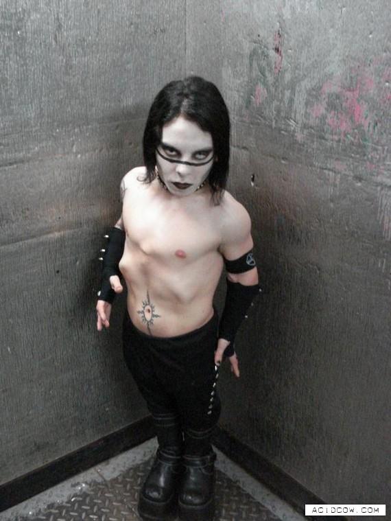 Mini Marilyn Manson (8 pics)