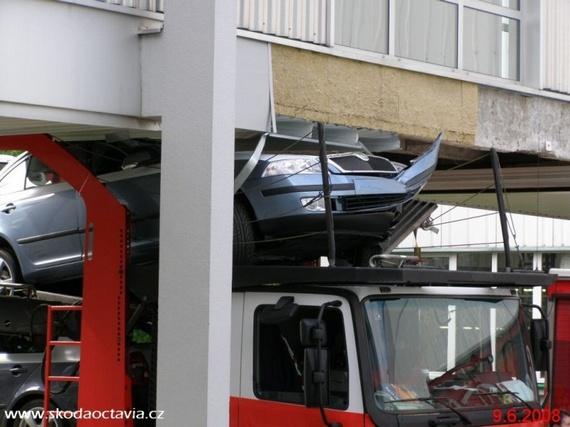 Accident damage (5 pics)