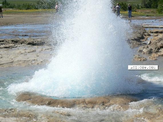 Strokkur Geysir (8 pics)