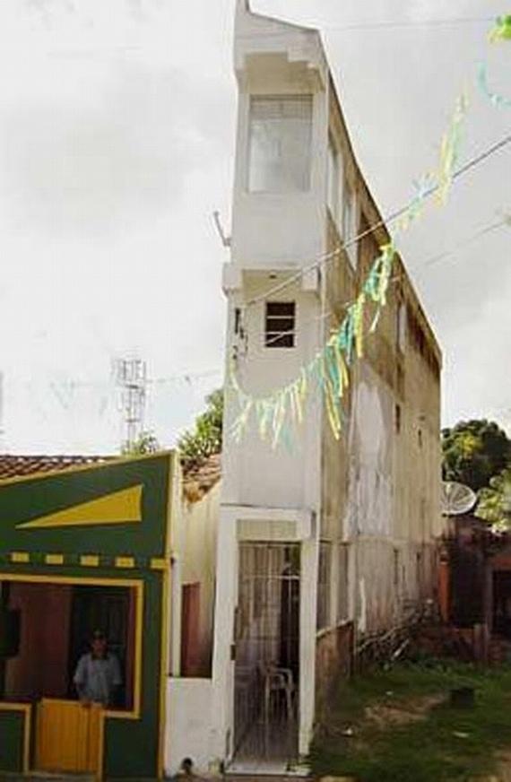 Narrow house (9 pics)