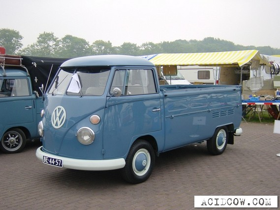 The legendary Volkswagen T1 (29 pics)