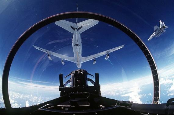 10 Spectacular Cockpit Photos
