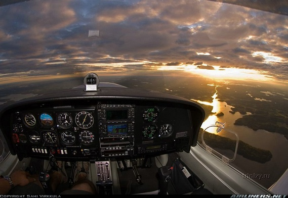 10 Spectacular Cockpit Photos