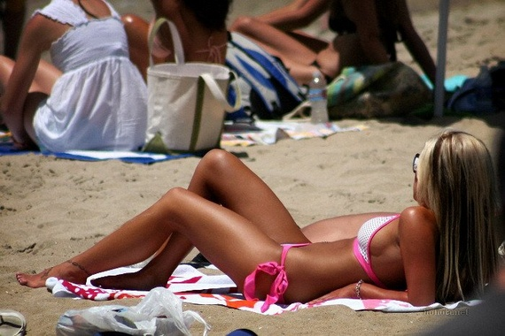 Pretty Beach Girls (35 pics)