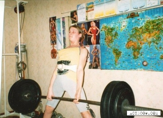 The Strongest Girl in the World (42 pics)