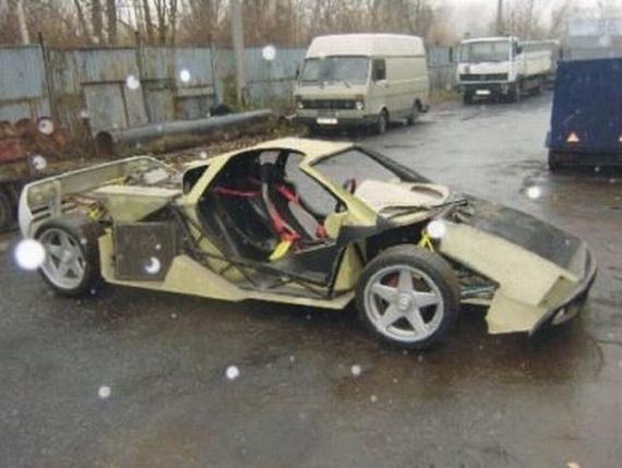 Man Builds McLaren F1 in His Garage (56 pics)