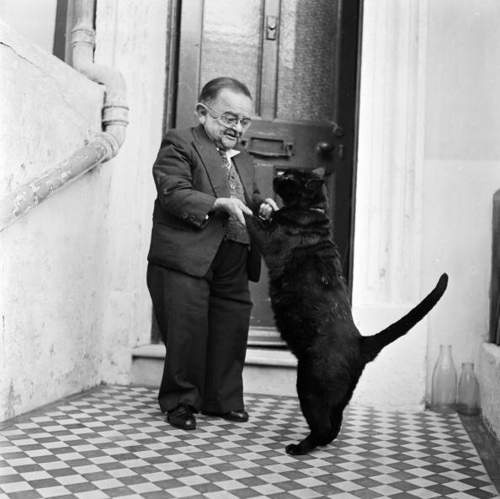 Henry Behrens, the smallest man in the world...