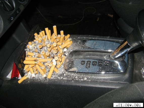 Full ashtray (7 pics)