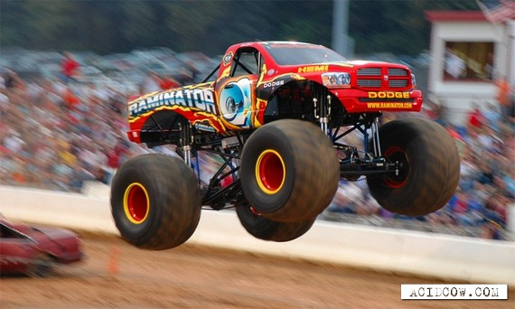 Monster truck (27 pics)