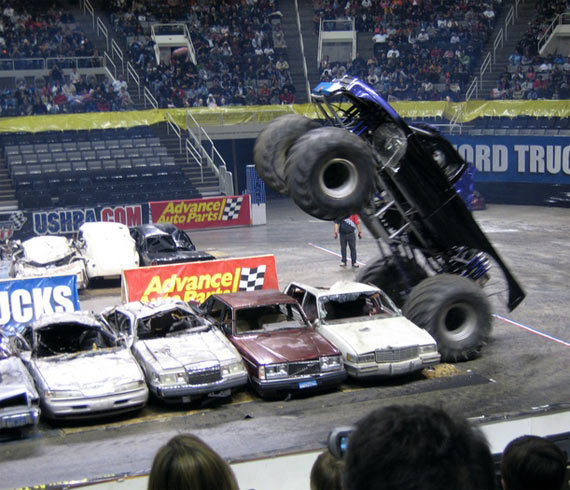 Monster truck (27 pics)