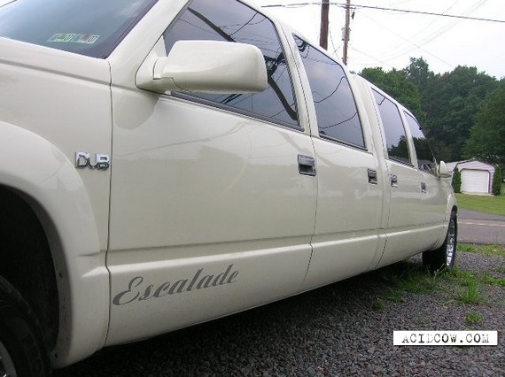 Unusual Cadillac Escalade (11 pics)