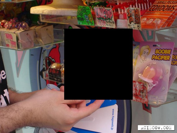 The Tiniest Condoms (4 pics)