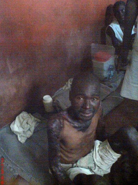 Zimbabwean jail (23 pics)