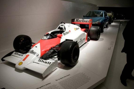 The Porsche Museum (51 pics)
