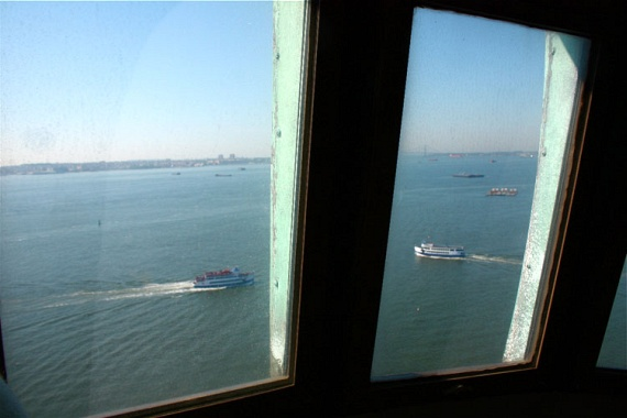 Inside the Statue of Liberty (8 pics)