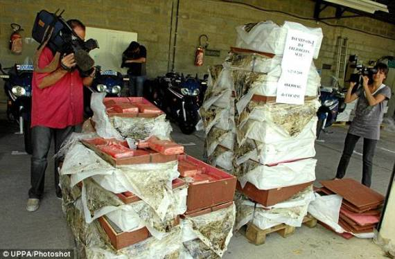 'Historic' cocaine haul in France (4 pics)