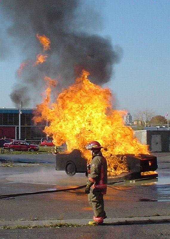 Cars on Fire (42 pics)
