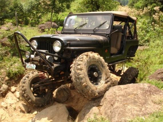 Impressive off-road Jeeps (21 pics)