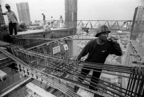 Most Dangerous Job... (23 pics)