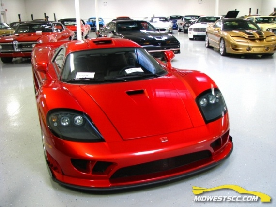 """One """"inconspicuous"""" garage (93 pics)"""