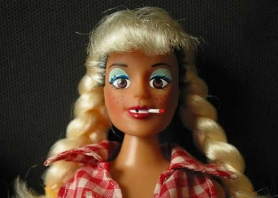 Meet the trailer trash dolls... (8 pics)