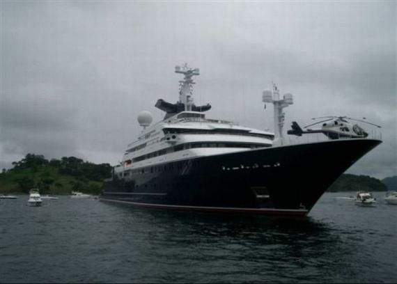 Mega Yacht Octopus (52 pics)