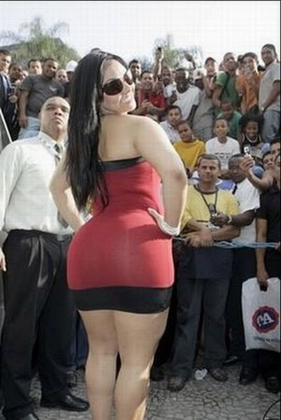 Biggest Butt in Brazil (22 pics)